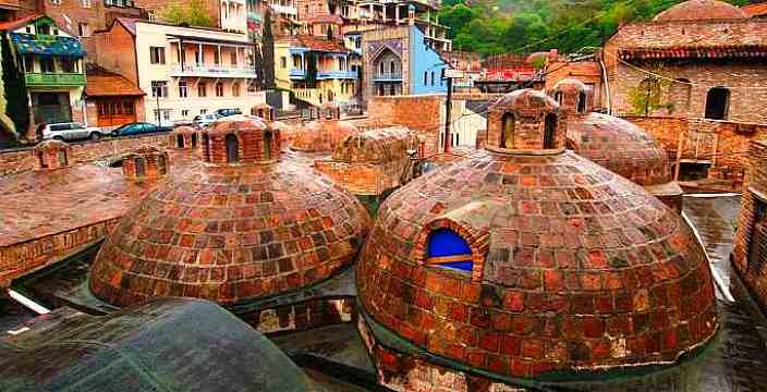В Тбилиси посылают в Абанотубани