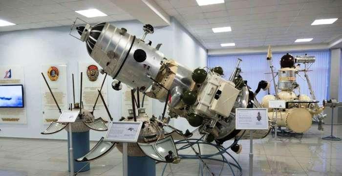 Исследование. Первый искусственный спутник Луны. АМС Луна-10 выведена ракетоносителем «Молния-М» 31 марта 1966 года