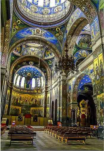 Ново-Афонский Симоно-Кананитский мужской монастырь, величественные своды Пантелеймоновского собора