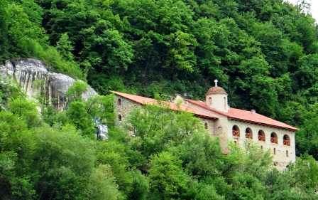 Подольский Афон - Скальный монастырь в Лядово. Под горой