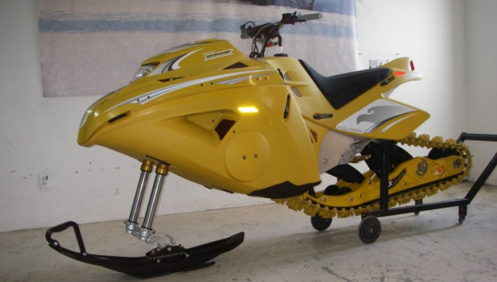 Снегоход Snow Hawk ZX2 - спортивный снаряд.