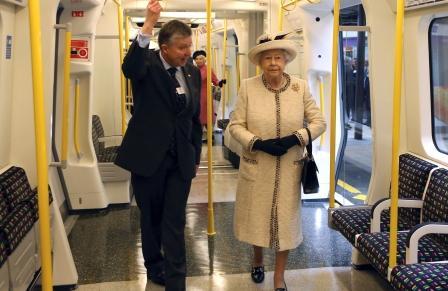 Доклад по английскому языку Лондонское Метро London Tube Ее Величество Елизавета 2