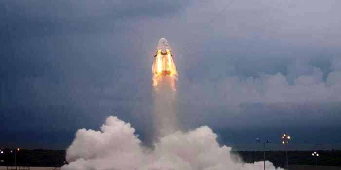 SpaceX успешно провел первые испытания системы аварийного спасения